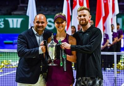 Стефан Гюров (вляво) е мениджър на Елина Свитолина, която спечели шампионата на женската асоциация и е №4 в света.