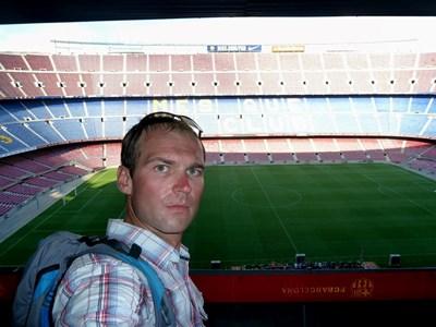 """Иван на легендарния стадион """"Ноу Камп"""" в Барселона. СНИМКА: Фейсбук"""