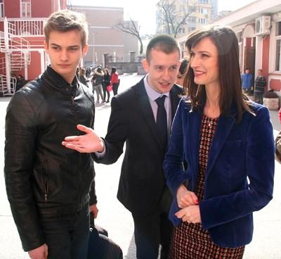 Мария Габриел посети пловдивската търговска гимназия. Снимки: Евгени Цветков