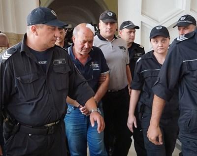 Григор Григоров, заснет в Софийския окръжен съд миналата седмица. СНИМКА: Десислава Кулелиева