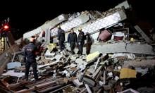 19 са жертвите от земетресението в Турция - няма пострадали българи (Снимки)
