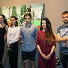 Обща снимка на младите художници - изложбата беше открита от най-известните имена в артистичната гилдия. СНИМКА: АРХИВ НА ТОДОР СТАЙКОВ