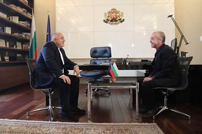 Премиерът Бойко Борисов и доц. Атанас Мангъров разговаряха в сряда повече от час и половина.