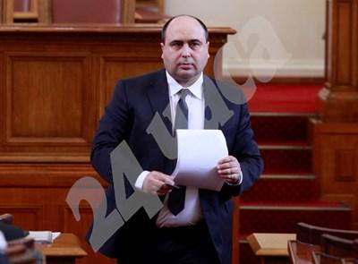 Владислав Николов е депутат от ГЕРБ в три поредни парламента.