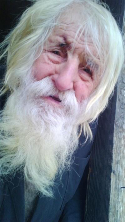 Дядо Добри живее в село Байлово изключително бедно, а е дарил на църкви и манастири над 1млн. лв.  СНИМКИ: ЙОРДАН СИМЕОНОВ, НИКОЛАЙ МОСКОВ