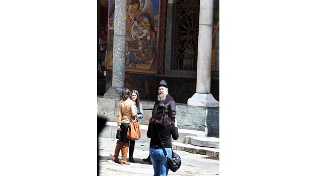 Помилваха епископ Борис въпреки порноскандала