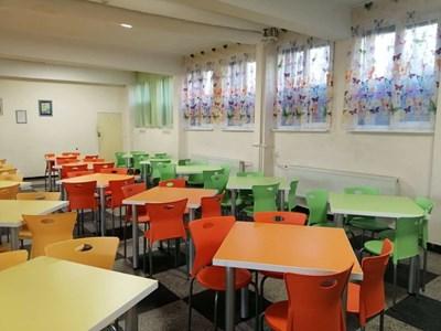 Реновиран е интериорът на училищния стол СНИМКА: Община Велико Търново