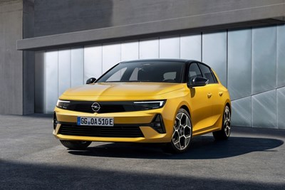И новият Opel Astra се зарежда от контакта