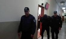 Оставиха в ареста Дъндито, не иска съдът да уведоми жена му