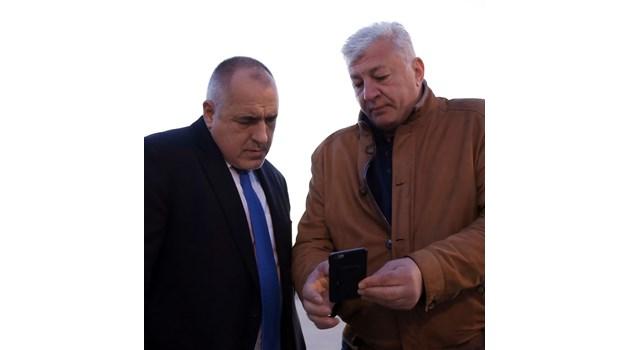 Борисов кацна в Пловдив, областният управител му докладва за жп инцидента