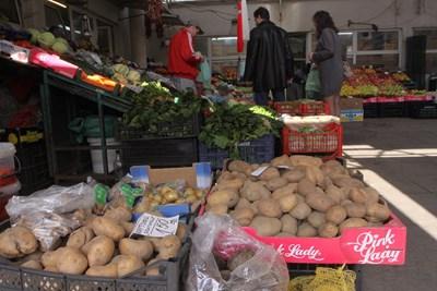 Около 1 лв./кг е цената на картофите по пазарите у нас.