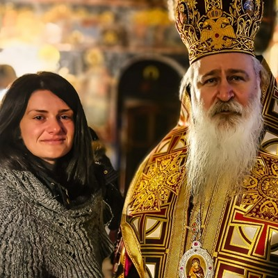 Дядо Сионий прие Шени Бензиш - годеницата на Атанас Скатов.