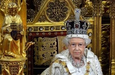 Крализа Елизабет II СНИМКА: Ройтерс