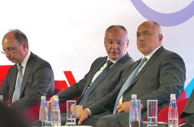 Премиерът Бойко Борисов и лидерът на ПЕС Сергей Станишев се обединиха около тезата, че България трябва да е в ядрото на ЕС. СНИМКА: Снимки: Пиер Петров