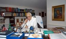 В деня на света Екатерина почина проф. Александър Чирков в хотел във Варна. Изглеждал странен