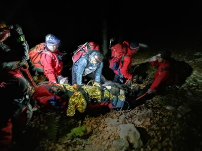 28 спасители от Ловеч, Троян и Калофер са участвали в акцията. СНИМКА: ПСС