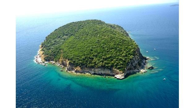Мъката да купиш гръцки остров. Сделката отнема най-малко 18 месеца. Най-скъпият се предлага за 40 млн. евро, най-евтиният - за 3,8 млн. евро