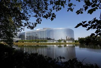 Сградата на  Европейския  парламент  в Страсбург  СНИМКИ: РОЙТЕРС