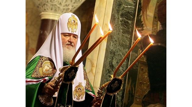 Руският патриарх живее в лукс за $4 млрд. Ползва яхтата на Путин, влак църква, частен самолет, кадилак за $177 хил., мерцедес S-класа за $234 хил.