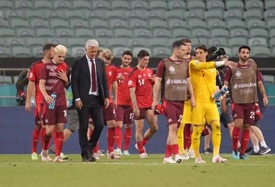 Бая път се насъбра на швейцарския национален отбор. СНИМКА: РОЙТЕРС