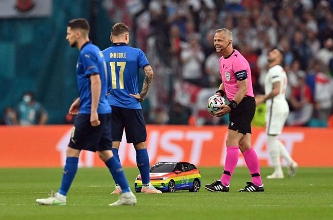 Футболен Brexit за Англия, Италия е европейски шампион с дузпи