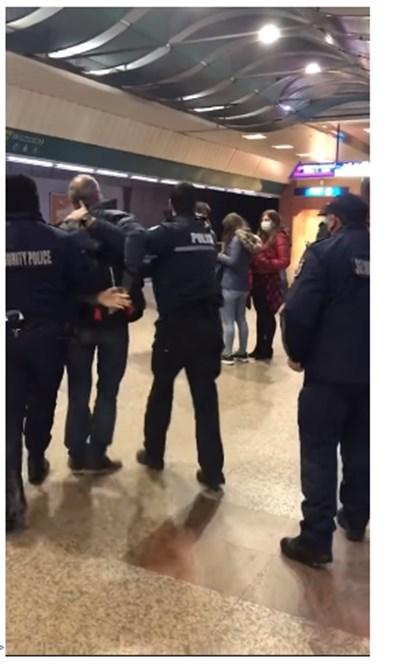 Арестуваха мъж и жена в столичното метро, не носили маски (Видео)