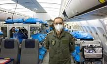 Германия приема тежко болни от Италия. Медици: Видяхме умората в очите на колегите си