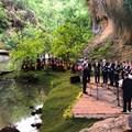 Няколко естествени природни сцени бяха обособени при удивителния скален феномен.