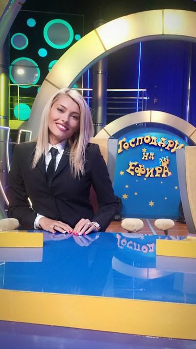 """Ева Веселинова в студиото на """"Господари на ефира"""""""