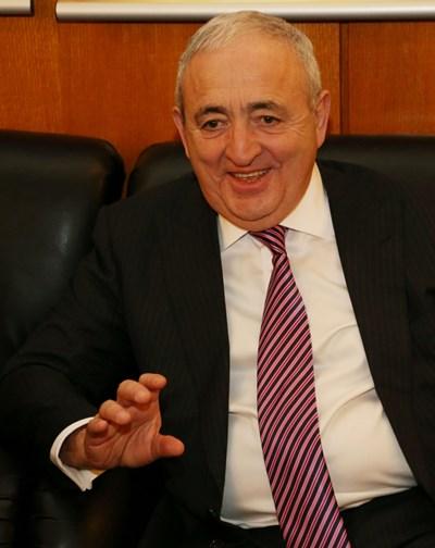 Асаф Хаджиев