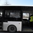 Автобусите се мият старателно на последните спирки.
