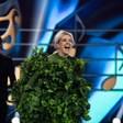 """Поли Генова първа свали маската си на Очите в """"Маскираният певец"""""""