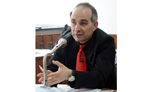 Ицо Хазарта скоро ще се дистанцира от Кирил и Асен, защото е умен човек