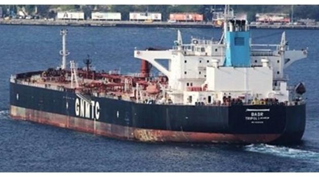 Дават на прокурор частния съдебен изпълнител, продал либийския танкер