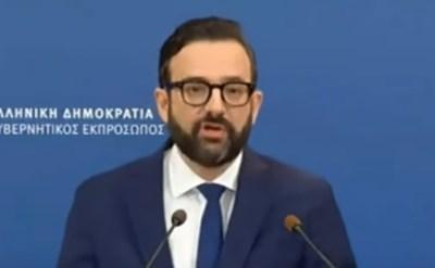 Говорителят на гръцкото правителство Христос Тарандилис КАДЪР: Youtube/Top Channel Albania