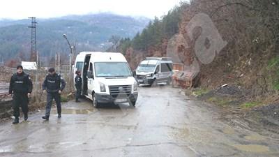 Полицейски проверки край село Луково СНИМКИ: Пиер Петров