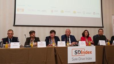 """Представители на държавните институции подкрепиха инициативата на SDI и дадоха старт на второто издание на индекса за безопасно шофиране в столичния хотел """"Балкан"""".  СНИМКА: ЙОРДАН СИМЕОНОВ"""