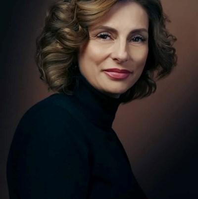 """Наталия Любенова е психолог, психотерапевт във формиране, психодрама асистент, доктор по педагогика, коуч и NLP мастер-практик. Работи като училищен психолог в СУ """"Емилиян Станев"""" във Велико Търново. Занимава се с обучения към фирми в сферата на образованието. СНИМКА: Личен архив"""