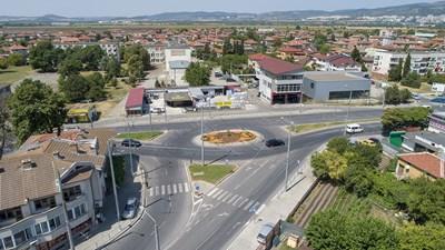 Изграждането на кръгови кръстовища в Стара Загора намалява задръстванията в пиковите часове. СНИМКА: Ваньо Стоилов