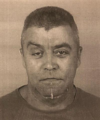 За общодържавно издирване е обявен 56-годишният Росен Желев Ангелов. Мъжът е търсен във връзка с тежко криминално престъпление, извършено в Нови Искър. Има вероятност той да е въоръжен и опасен. Хората, които имат информация за местонахождението на издирвания, могат да подават сигнали на тел. 112 или в най-близкото поделение на МВР при гарантирана анонимност.