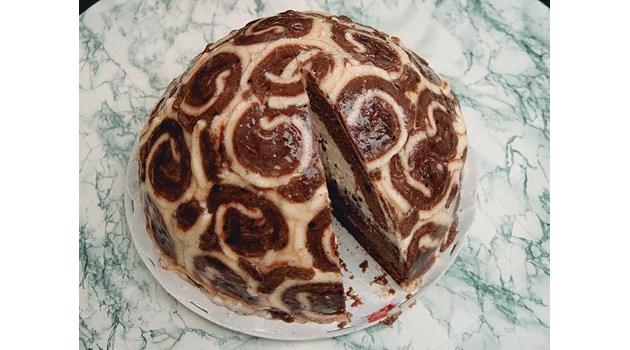 Надя от президентството си скри профила във фейсбук след скандален пост с торта за 450 лв.