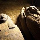 Общо 27 саркофага, погребани преди повече от 2500 години, са открити от археолози в древен египетски некропол СНИМКА: Туитър/Dario B.D