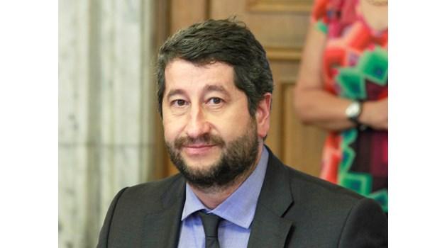 Ние сме против повече правомощия за президента, не даваме министри в кабинет на Слави