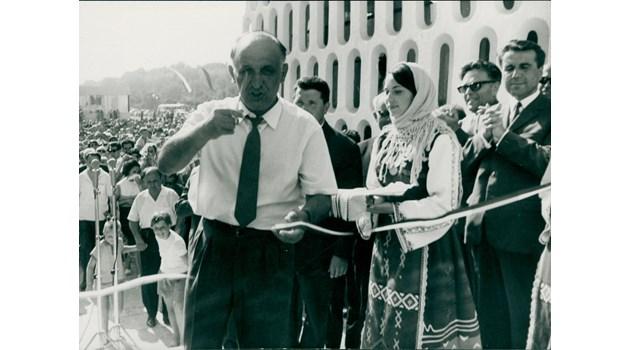 Живков и Андропов искаха да обединят плюсовете на капитализма и социализма