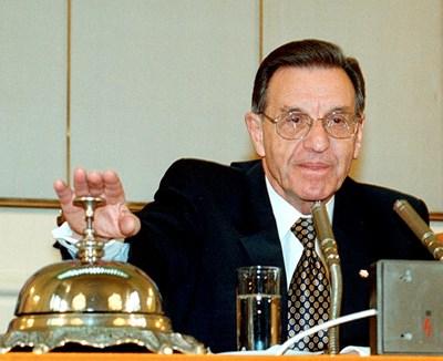 Йордан Соколов като председател на Народното събрание