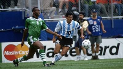 Диего Марадона по време на последния си мач в националния отбор - победата 2:1 над Нигерия в САЩ '94. Следващият трябваше да е срещу България, но го хванаха с кокаин.