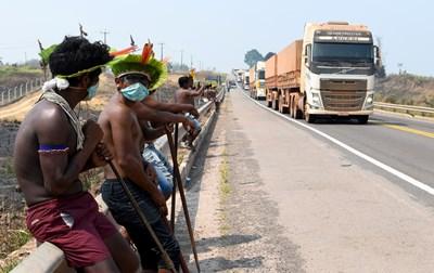 Броят на заразените в Бразилия е до 4 810 935 души СНИМКА: РОЙТЕРС