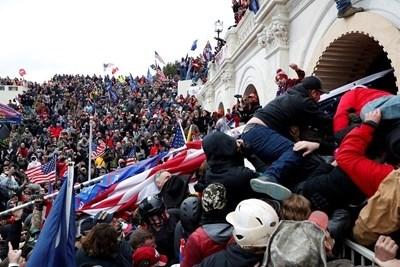 Досега над 200 души бяха арестувани заради участие в обсадата на Капитолия. Снимка: Ройтерс