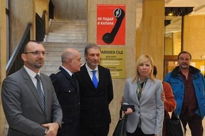 Вълчо Чолаков, комисар Неделчо Рачев, Димо Грудев и Диана Саватева /от ляво на дясно/ на откриването на изложбата