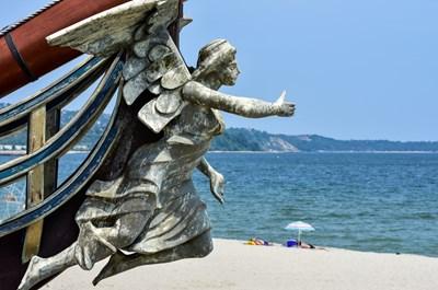 Варненският залив е между носовете Галата и Свети Георги. СНИМКА: ИВАН МИХАЛЕВ